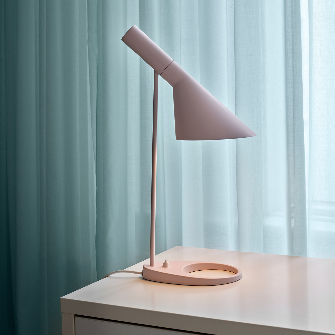Louis Poulsen Aj Table Lamp At Nostraforma