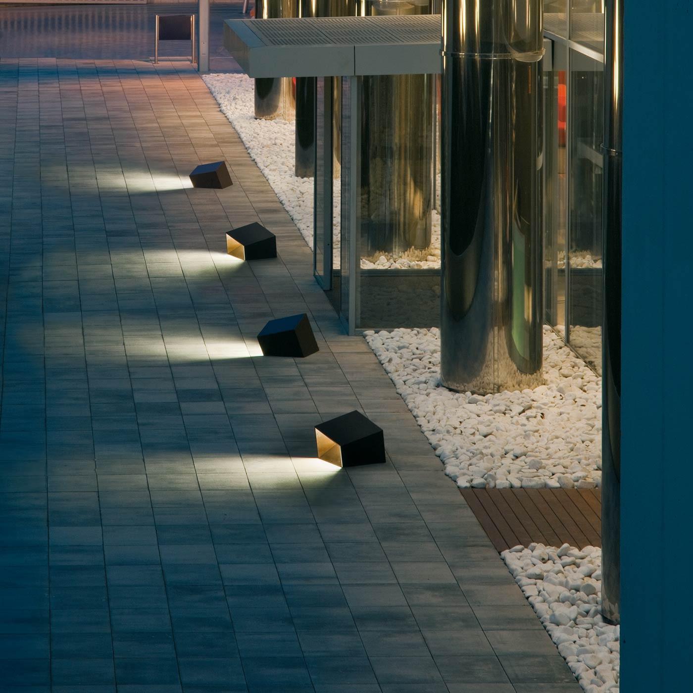 Vibia Break 4108 Outdoor Floor Lamp At